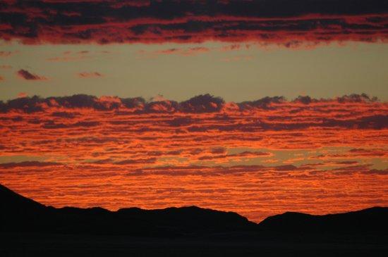 Barchan Dune Retreat: Sundowner