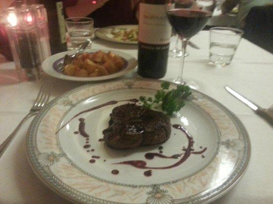 La Griglia: Filetto all'Amarone con Patate al Rosmarino