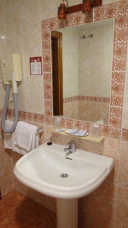 Zeus Hotel Malaga: Lavabo