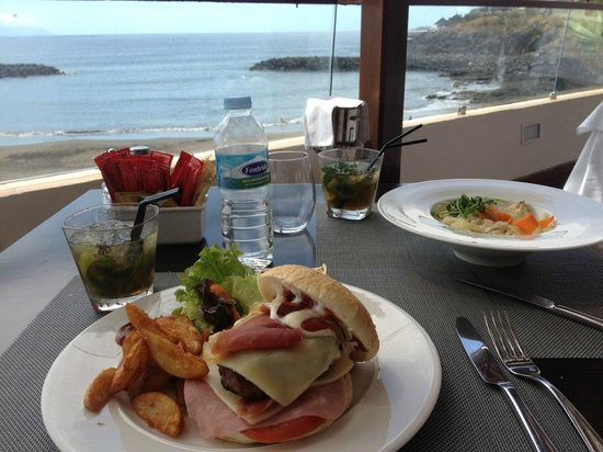 H10 Gran Tinerfe: Paid restaurant for lunch