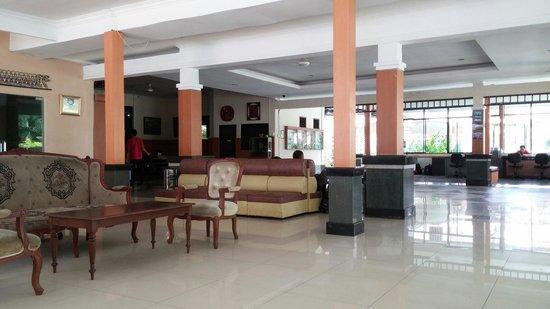 Bintan Agro Beach Resort: Lobby area.