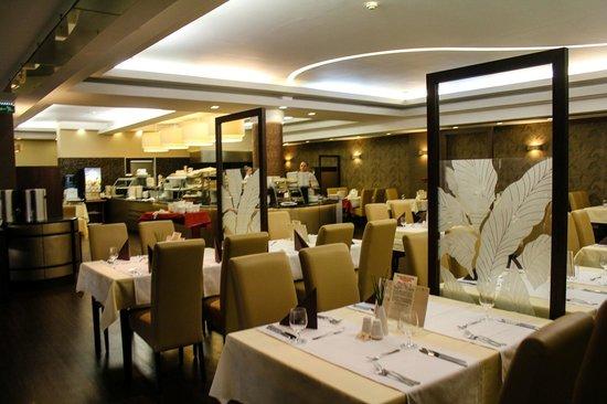 Hotel Europa Fit Superior: ресторан