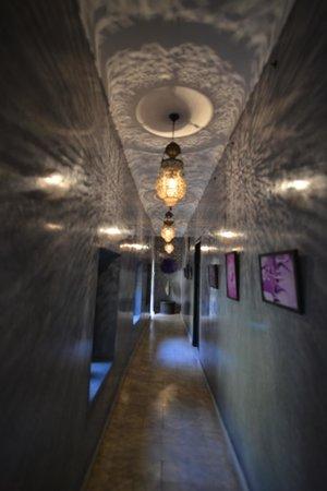 Riad Meriem: Hallway