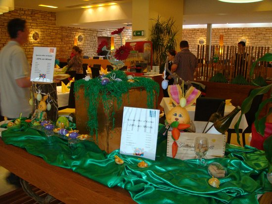 Falkensteiner Club Funimation Borik: Easter table