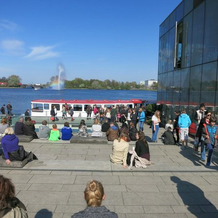 Alsterseen: Binnen-Alster with boats and visitors
