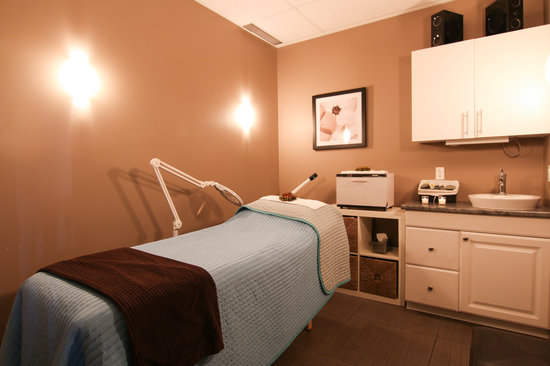 BEST WESTERN PLUS Fergus Hotel: After a long day of travel, come visit Mosaic Spa.