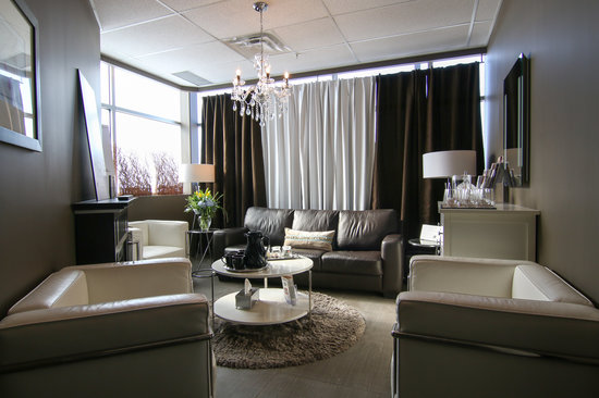Best Western Plus Fergus Hotel : Please step into our waiting room before your appointment.