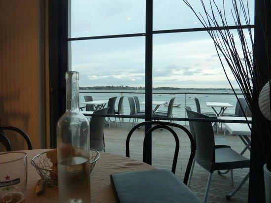 L'Escale en Arz: vue de la salle du restaurant