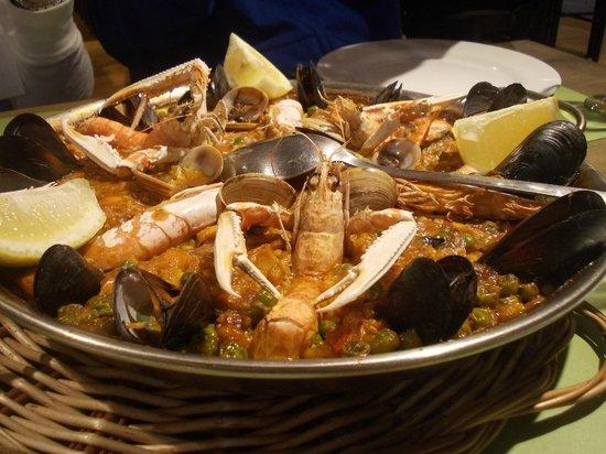Ivan Cafeteria: Paella
