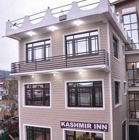 Hotel Kashmir Inn: Outer Look
