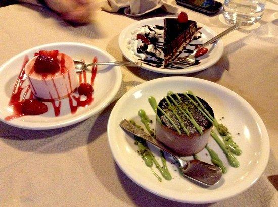 Antica Macina : Alcuni dessert del ristorante