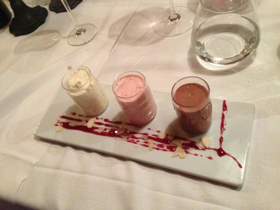 Valbruna Inn: Yes, even more yummy deserts.