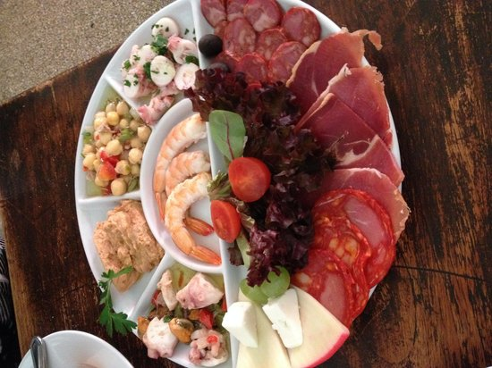 Clube Portugues: Assortment of cold appetizer