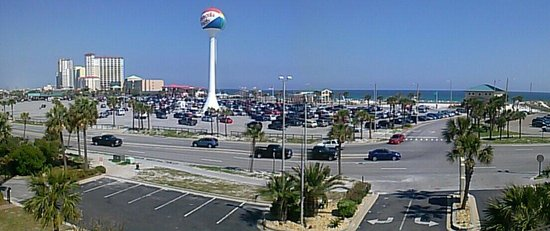 Travelodge Pensacola Beach : The view of the Pensacola beach from fourth floor