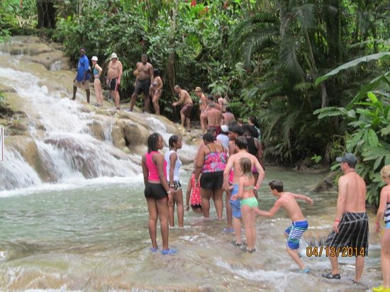 Dunn's River Falls and Park: climbing Dunn's River Falls