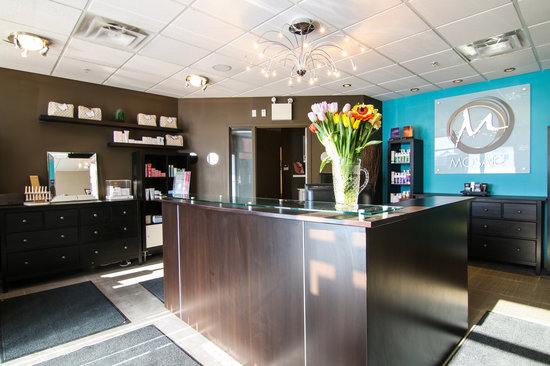 Best Western Plus Fergus Hotel : Enter into a peaceful and relaxing place, our on-site spa.