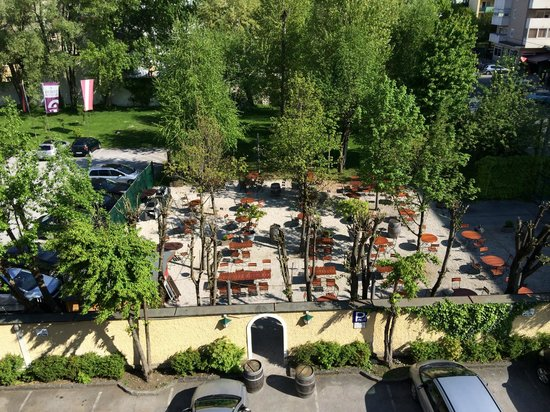 ACHAT Plaza Zum Hirschen : view from room