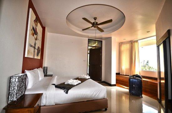 Sunset Hill Resort: chambre lit