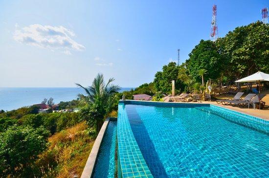 Sunset Hill Resort: VUE PISICINE
