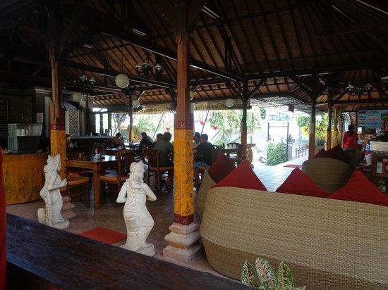 Kusnadi Hotel : The dining area