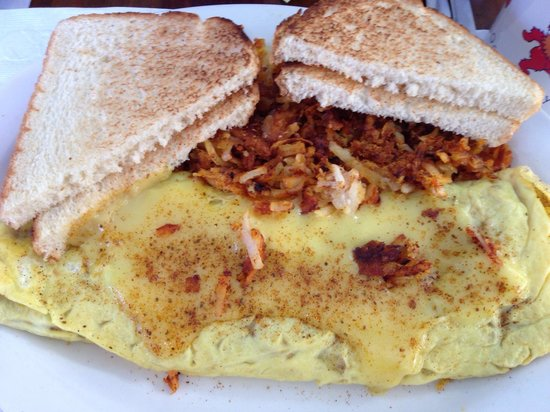 Sahara Cafe: Crabmeat and cheddar cheese omelette with hollandaise. 😛