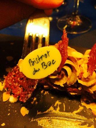 Bistrot du Bac : Dessert au Pralin, vraiment excellent !