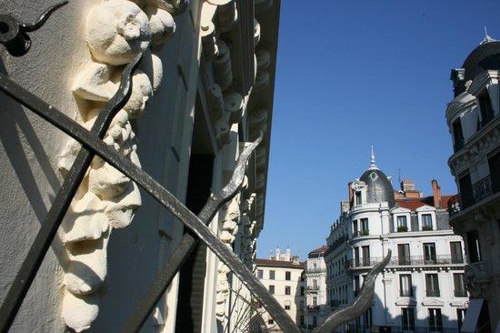 Hotel Carlton Lyon - MGallery Collection : Балконная решетка