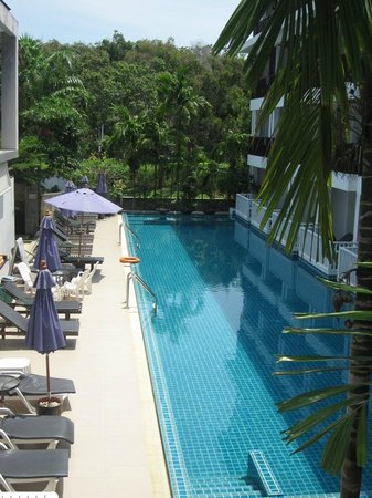 Apasari Krabi: pool viewd from balcony