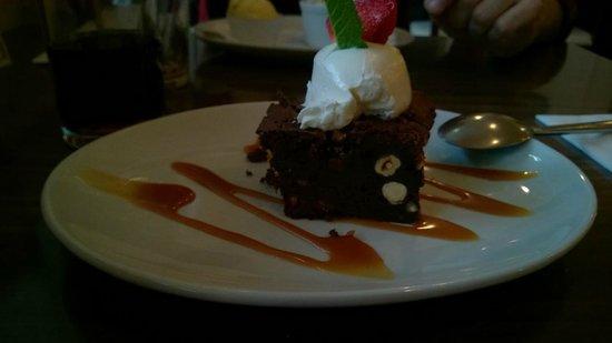 Gourmet Burger Bistro : Torta nocciole e cioccolato