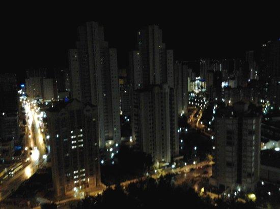 Melia Benidorm: Vista nocturna desde la habitación
