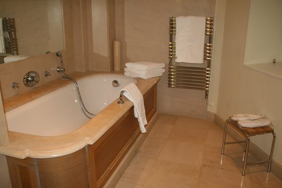 Hotel de la Cite Carcassonne - MGallery Collection: Lavabo- parcial-