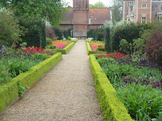 Blickling Estate: fantastic flower beds