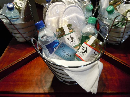 Hilton Warwick / Stratford-upon-Avon: Welcome basket