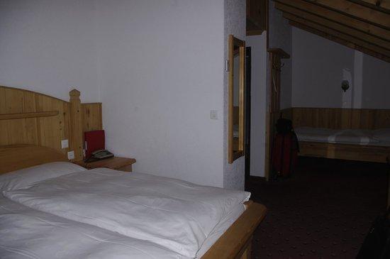 Hotel City : room 401