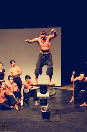 Phare, The Cambodian Circus: Sugoi