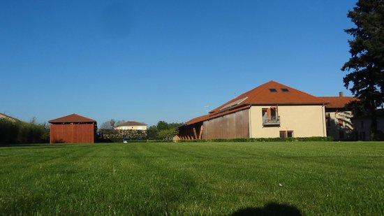 Les fermes de Louison : des espaces verts bien entretenus