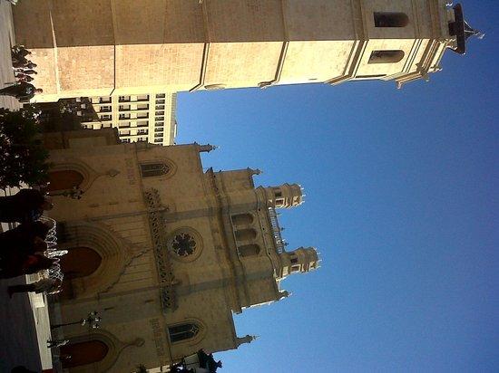Intur Castellon Hotel : Concatedral de Santa María, en la cercna Plaza Mayor