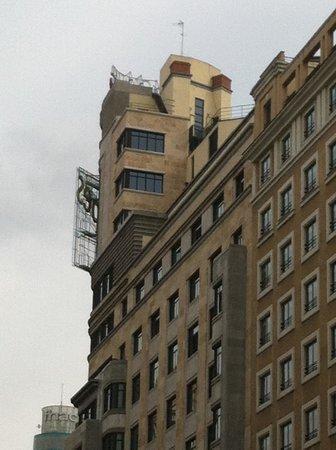 Vincci Capitol Hotel : Nid d'amour depuis la rue