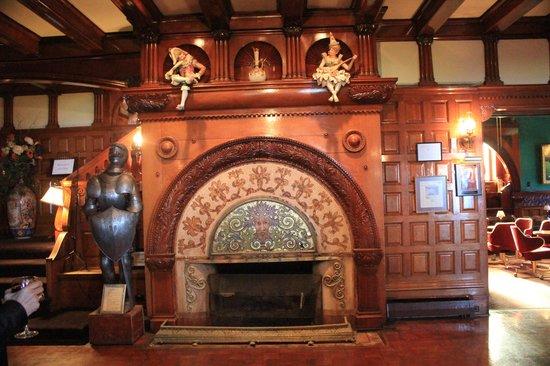 Edgar's Restaurant at Belhurst Castle : Main fireplace in dining area
