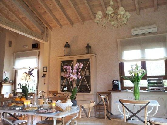 Hotel Rural Arpa de Hierba: Zona de desayuno