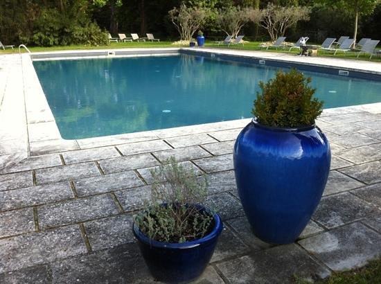 Baumanière les Baux de Provence : la piscine