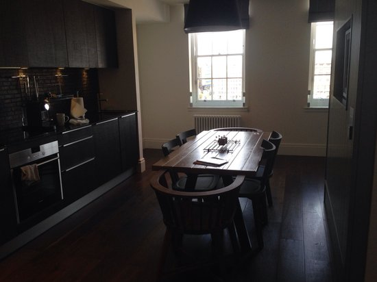 Old Town Chambers: Kitchen - 2 bedrooms apartment 1st floor