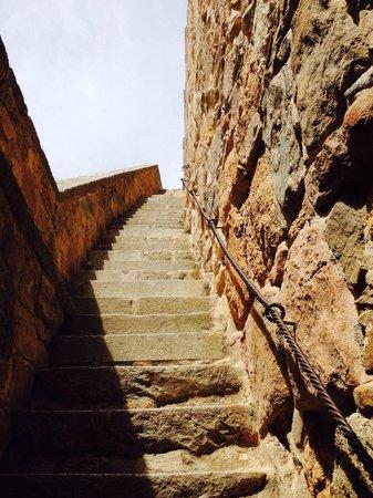 The Walls of Avila : Uma das escadas que leva ao topo! Recomendo que idosos com dificuldade de subir escada, NÃO suba