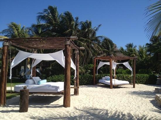 Viceroy Riviera Maya: sonnenbett