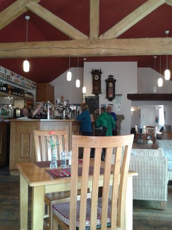 Tyn y Capel Inn & Restaurant: inside