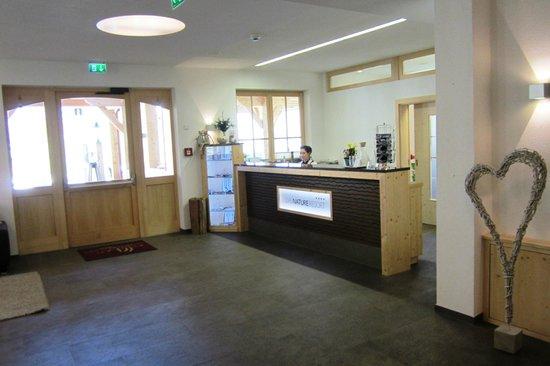 Natur & Aktiv Resort Ötztal : lobby reception area