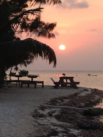 Isla Marisol Resort : Sunset from the north side of the island- each equally as beautiful.