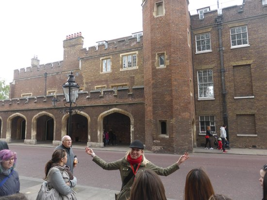 SANDEMANs NEW Europe - London: Free Walking tour with guide Sonja - interesting and entertaining