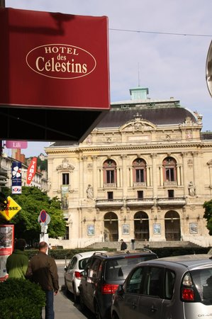 Hotel des Celestins: vis-à-vis du Theatre