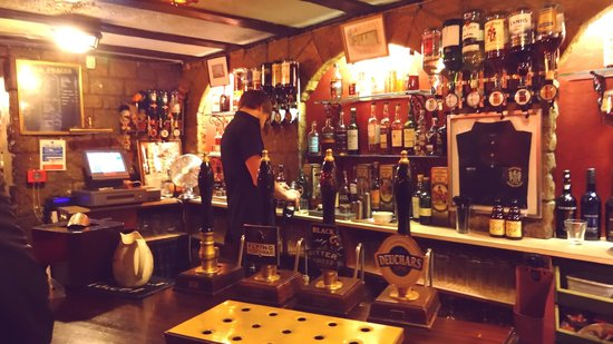 Edinburgh Literary Pub Tour: Awesome pub